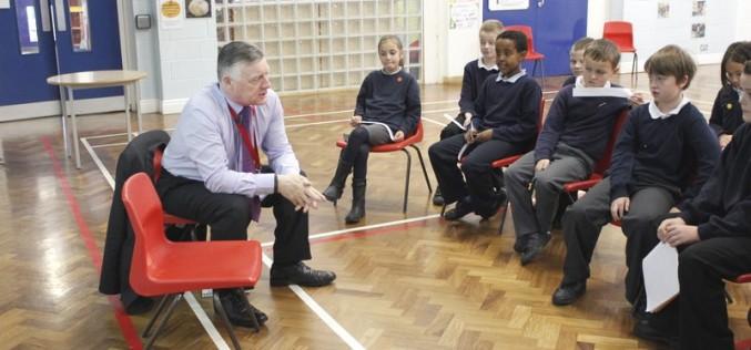 Parliament Week – Bells Farm children put MP under the spotlight