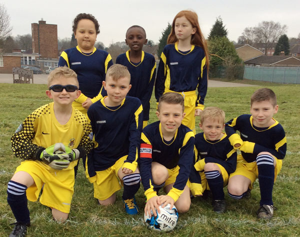 Year 4 and Year 5 football team